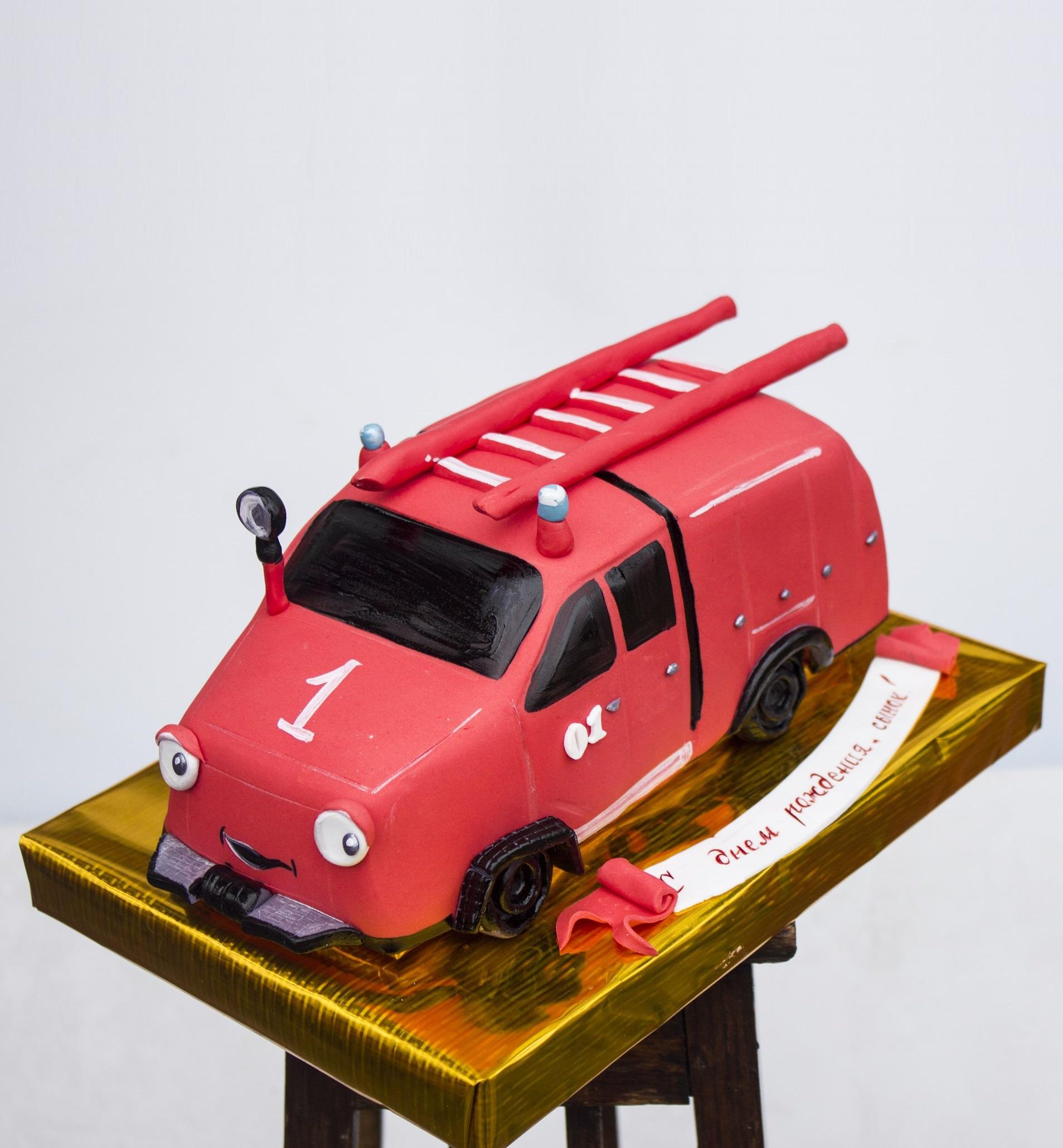 Торт в виде пожарной машины фото