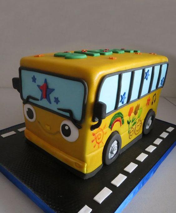средневековой торт автобус фото бревенчатых